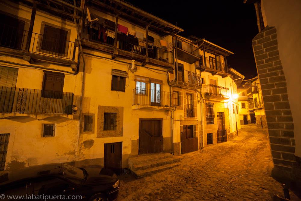 Casas rurales spa la batipuerta de candelario damos un paseo nocturno por candelario - Candelario casa rural ...