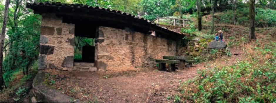 Casas rurales spa la batipuerta de candelario ruta de senderismo candealario - Candelario casa rural ...